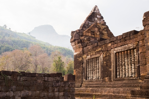 The Wat Phou tempels as they should be remembered, an impressive piece of close to one thousand year old Khmer architecture .
