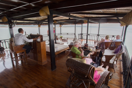 Life on board was comfy to the extreme. The front deck was also the place for the helmsman.