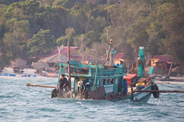 Trawlers at work. A lot of the seafood you get in South East Asia is not sustainable caught or farmed, and should be avoided. What you get at Robbie's however, is bought from the local village and environmentally safe.
