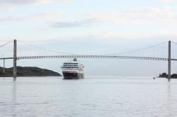 Under the bridge, approaching Rørvik.