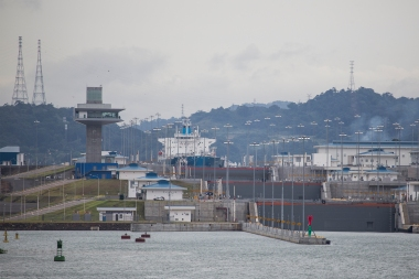 As we leave Miraflores, we pass the brand new Cocoli Locks that can take ships up to 366 meters long. These locks were put in use just three months earlier.