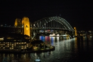 Some night views before leaving after a tree day stay in Sydney. The white spots above the bridge is not the digital image cracking up - they are all birds!