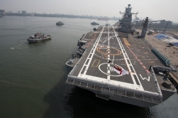 In the morning we had a new neighbour by the pier, the Indian navy's flagship aircraft carrier!