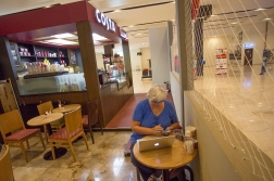 The one thing we could not do from our cabin was upload our blog posts. The net on the ship was not good enough for our pictures. Here webmaster ES has made herself an office for that purpose in the Dubai Cruise Terminal - and very appropriately in a Costa Cafe!