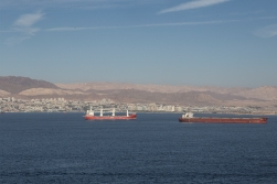 Standing on the same spot looking west, we see the Israeli city of Eilat. The other two countries fronting the bay are Saudi Arabia end Egypt.