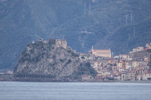 A day after leaving the canal we pass between Sicilia and mainland Italy.