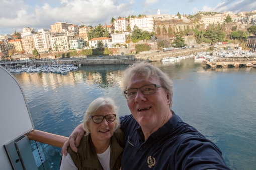 We have reached Savona, where we had started out some 14 weeks earlier. We left the ship first thing in the morning, so we just had time for one last selfie on our beloved balcony.