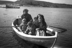 The Grandfather had a rowing boat that he acquired in the late 1940ties. It has been kept as a museum piece ever since, and it is in good enough shape to be used in a family rowing contest this year. This picture, showing some of the cousins in various tender ages, is from 1962.