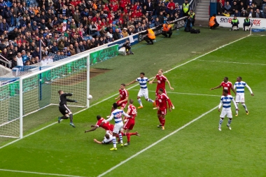 After kick off, DHH is no longer in controll. But neither, we are sorry to say, are the QPR players!