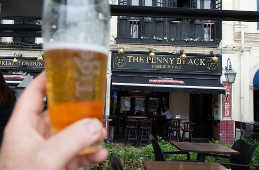 We also had to pay a visit to the Penny Black Pub at the historic Boat Quay! This is a narrow strip of small houses along a stretch of the Singapore River.