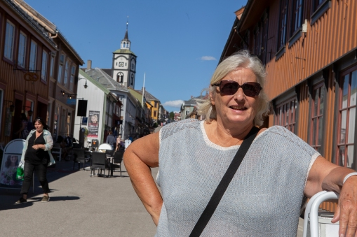 We made a stop in Røros, some 150 km south of Trondheim. This is a beautiful old mining town dominated by UNESCO-listed 17th to 19th century houses.