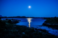 At Dønna, September is too late in the year for the midnight sun. However, the midnight moon can also look good!