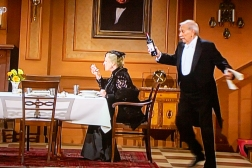 Swiss and German TV all show Dinner For One – like the tradition is also in Norway. The Germans, however, have introduced a modern remake. We did not like it! James and Miss Sophie are simply not meant for color TV!